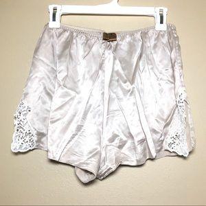 Classiques Entier Shorts - Classiques Entiers taupe silk white lace shorts